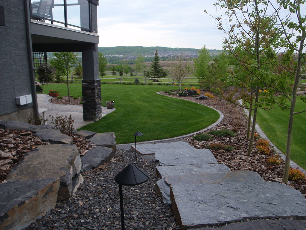 calgary landscaping stone, mulch and trees