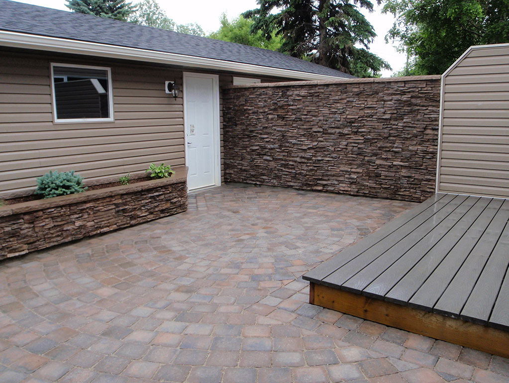 calgary landscaping patio with retaining wall